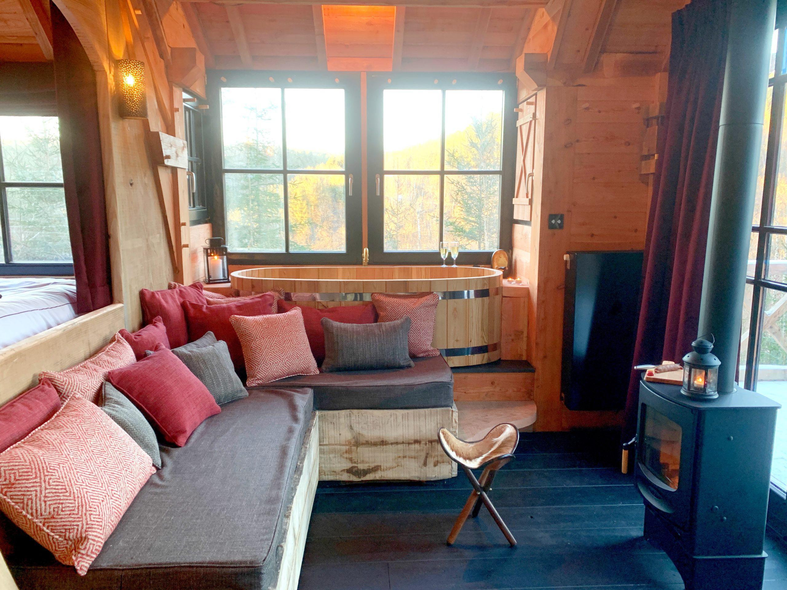 Chalet sur pilotis en bois sur mesure tiny house intérieur 1