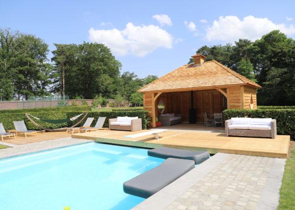 Pool house et ses terrasses